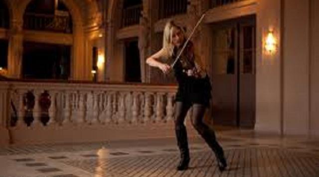 """Estelle Goldfarb: el """"Nacimiento"""" de una estrella del violín"""