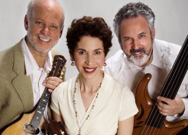 Robyn Helzner Trio: simplemente canciones