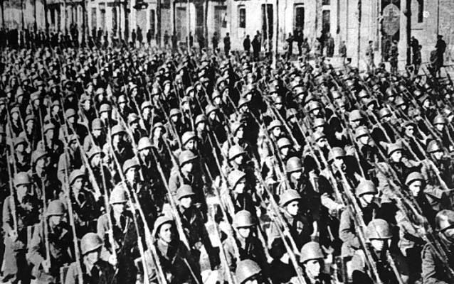 Fascismo, totalitarismo y absolutismo, con Enrique Martínez Avellaneda