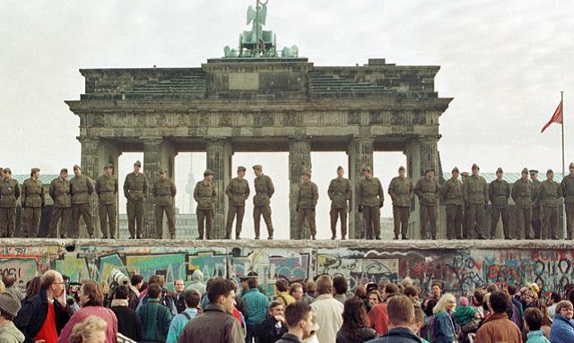 El día que cayó el Muro de Berlín, con Robert Stern