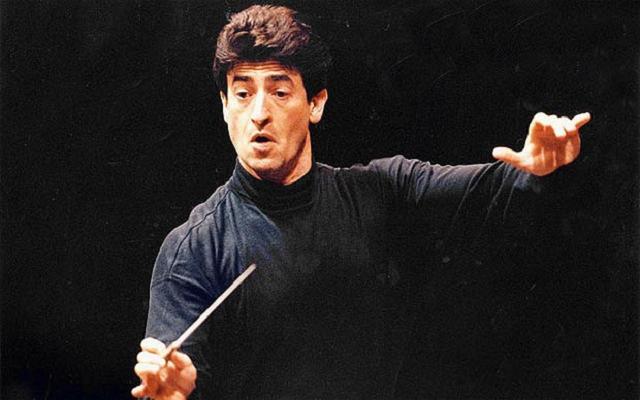 Yakov Kreizberg dirige el concierto de violín de Khachaturian