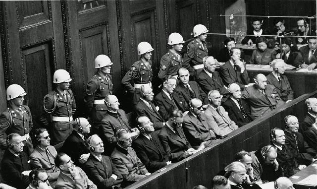 70 años de los Juicios de Núremberg y los crímenes contra la humanidad, con Ricardo Ruiz de la Serna
