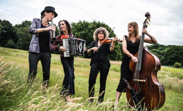 The London Klezmer Quartet: las chicas de la taberna