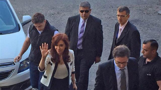 Una ex presidente acusada de encubrir a terroristas, con Matías Szpigiel
