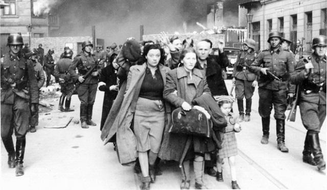 Pasos de la Historia: memoria de Polonia