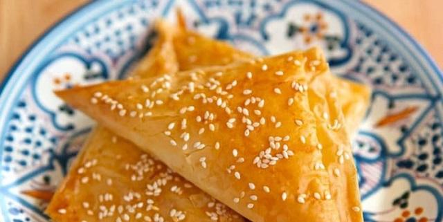 Preparando Rosh Hashaná: burekas de manzana y miel y verduras asadas en ensalada