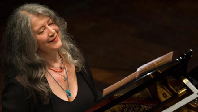 Martha Argerich y Barenboim en el Concierto Nº1 de Liszt