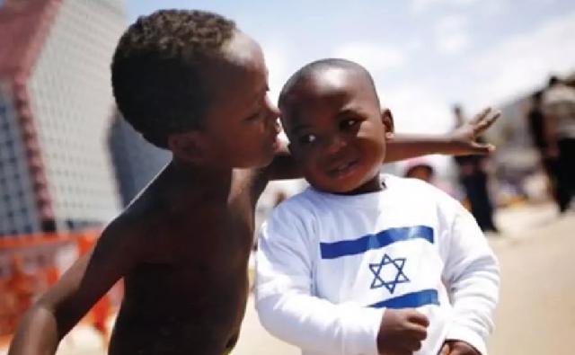 Los refugiados son una oportunidad para Israel, con Leonardo Cohen