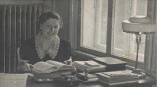 Ki tavó, y Lucy Dawidowicz Schildket