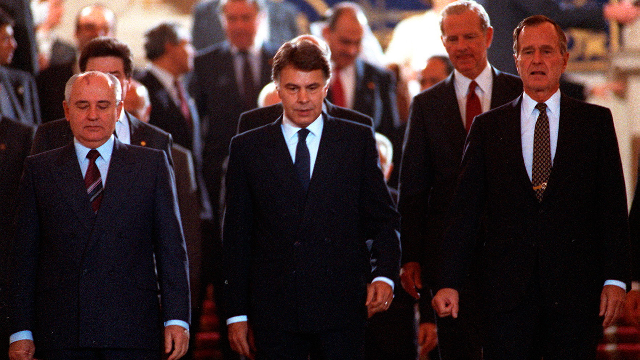 La Conferencia de Paz de Madrid y los fastos del 92 (1991-1992)