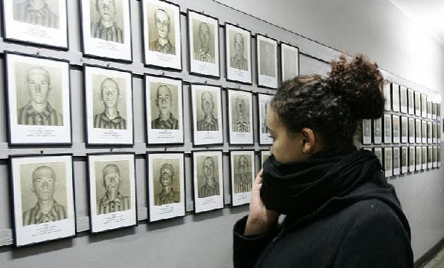 ¿Enseñar el Holocausto?, con Fernando Bárcena, Reyes Mate, Alex Baer y Carles Torner (Instituto Francés, Madrid, 24-01-05)