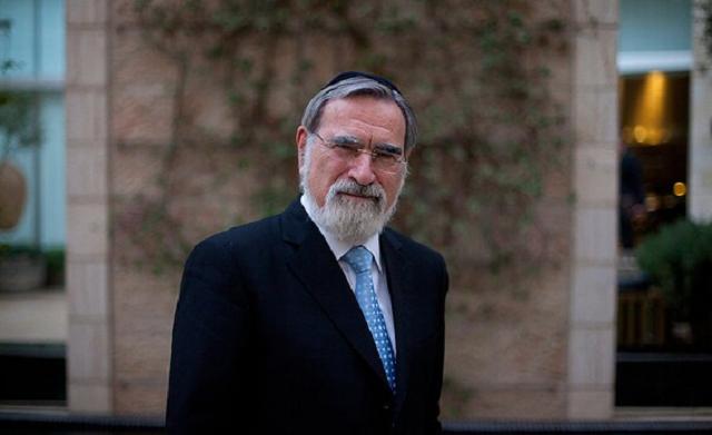 "Ha-rav Lord Jonathan Sacks, ish rúaj báal mamád olamí, yehudí vetziyoní gueé Z""L"