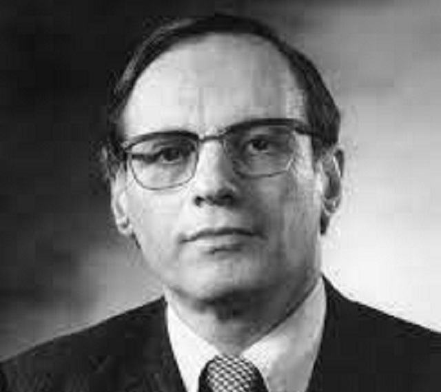 El experto en teoría de ondas Fritz Ursell