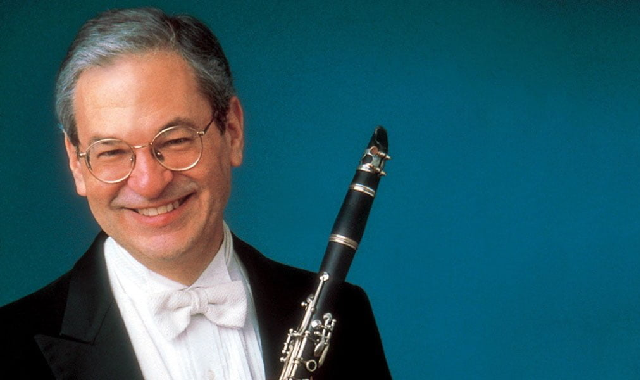 David Shifrin toca Mozart en clarinete