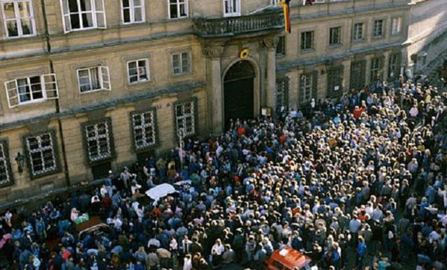 La crisis de los refugiados alemanes orientales en Checoslovaquia en 1989