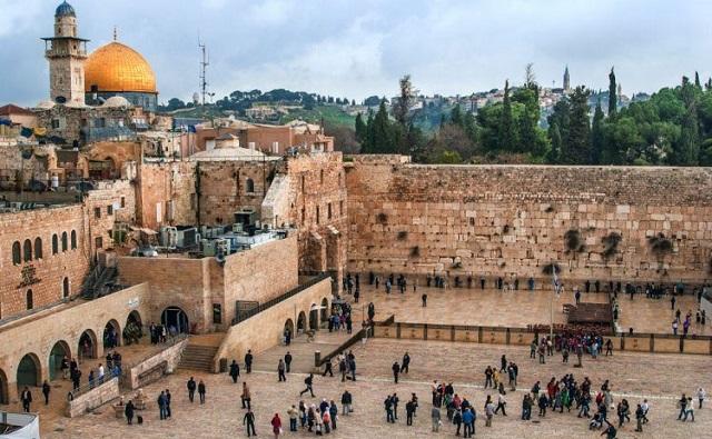 El Líbano, el Monte del Templo y recuerdos de la AMIA